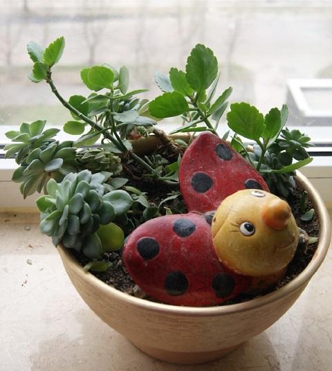 Pottery, Figurines, Toys, Souvenirs