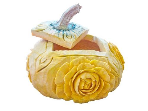 Flowered pumpkin