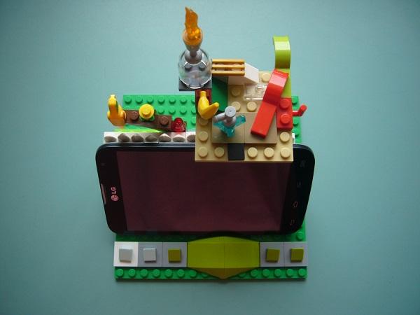 Lego Smartphone Holder
