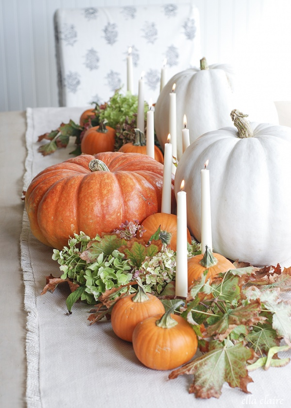 surround-your-candle-holder-with-pumpkins-and-leaves