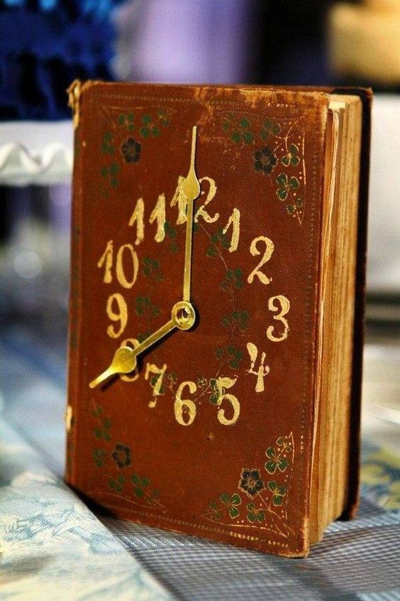 Cute book clock