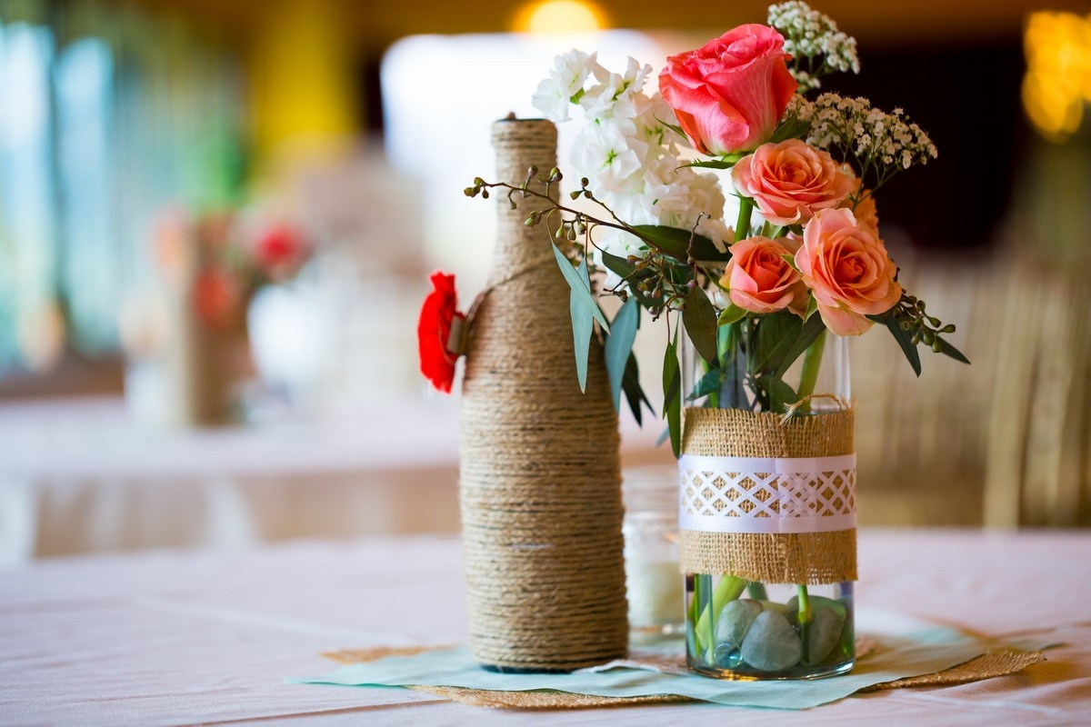 10 DIY Wine Bottle Centerpieces for Your Home