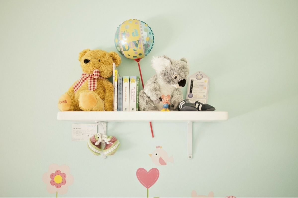Art display area 10 Incredibly Unique DIY Kids Room Décor Ideas