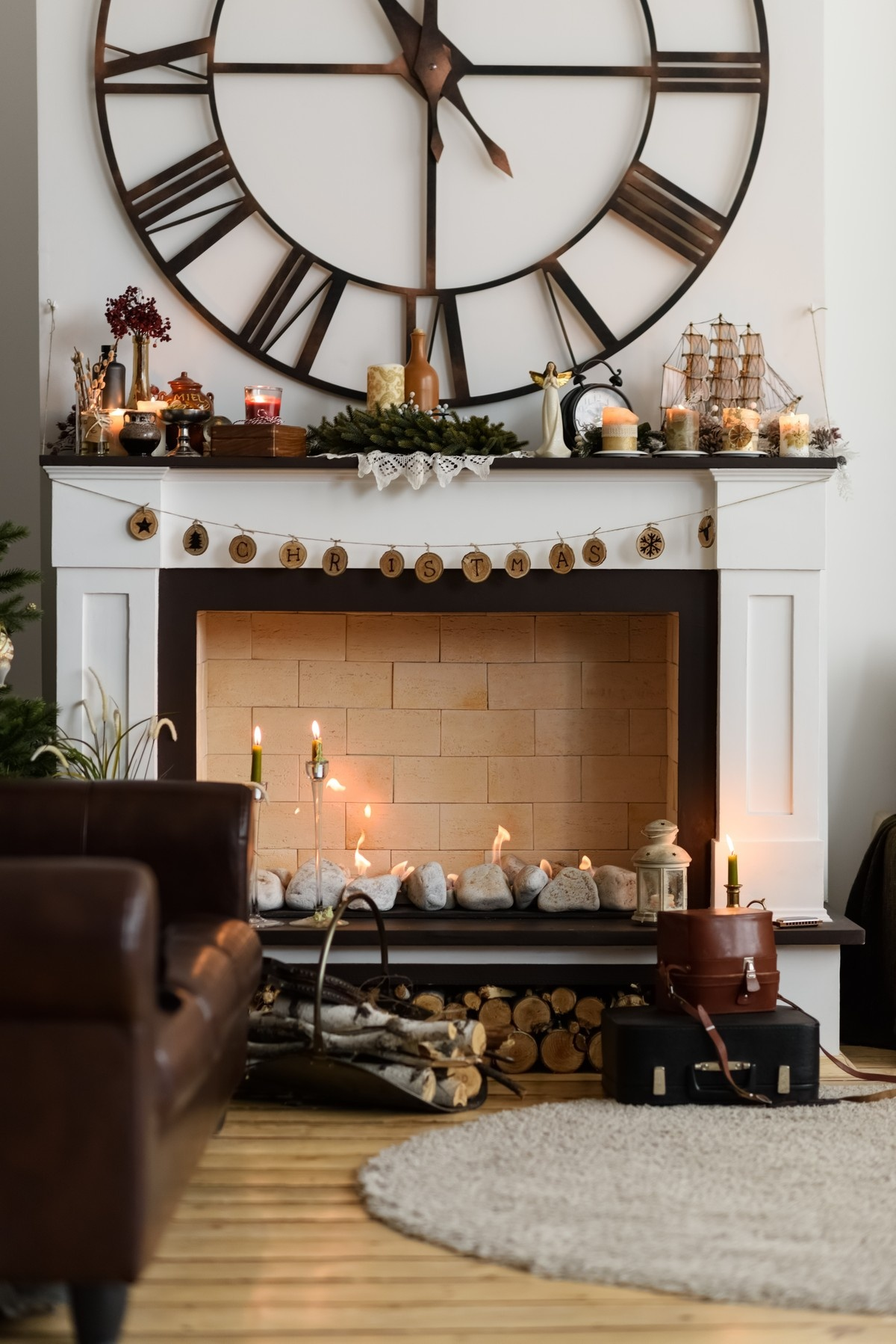 10 DIY Ways to Decorate Your Fireplace Mantel - Celebrate the Holidays