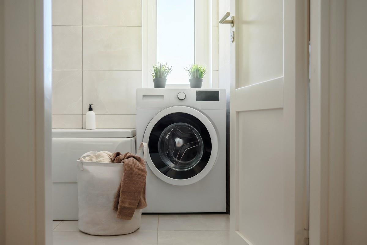 Laundry Room Decorating Ideas - Install a Tile Backsplash