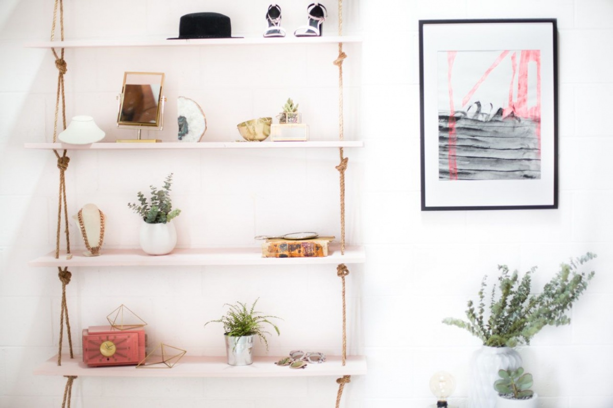Cute, rope-suspended shelves